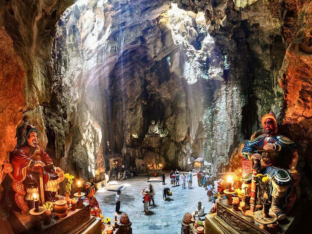 Huyen-khong-cave-marble-mountain