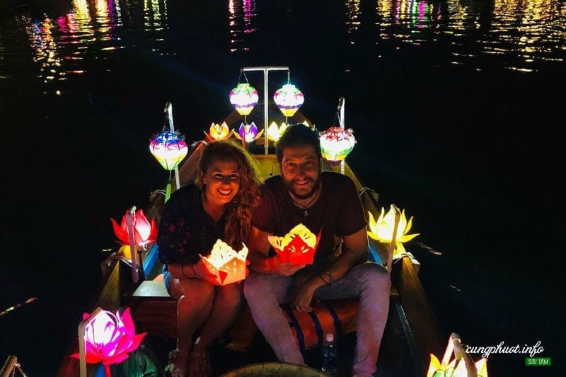 Best nightlife experiences in Hoi An - Paper Lanterns on River