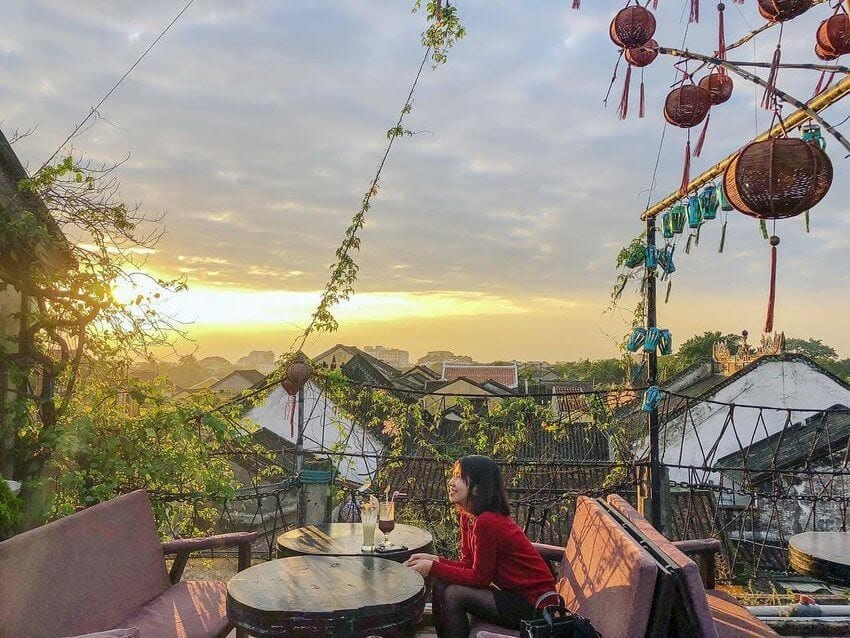 Best nightlife experiences in Hoi An - Rooftop Cafe