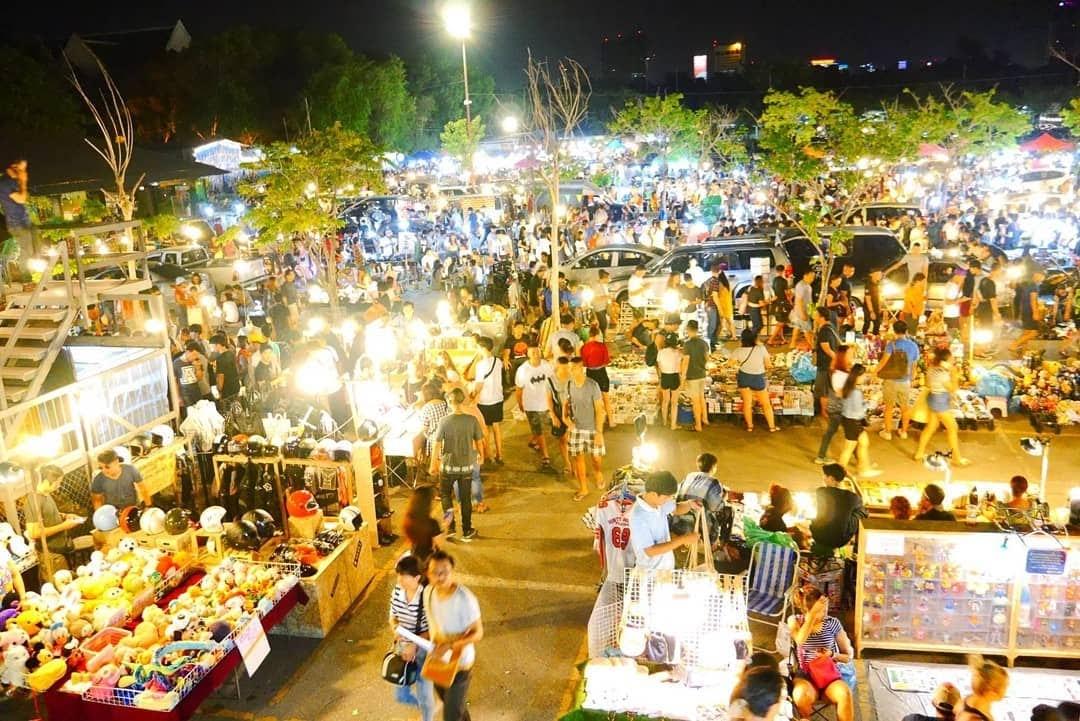 Explore Dragon Bridge in Da Nang City - Da Nang Night Market