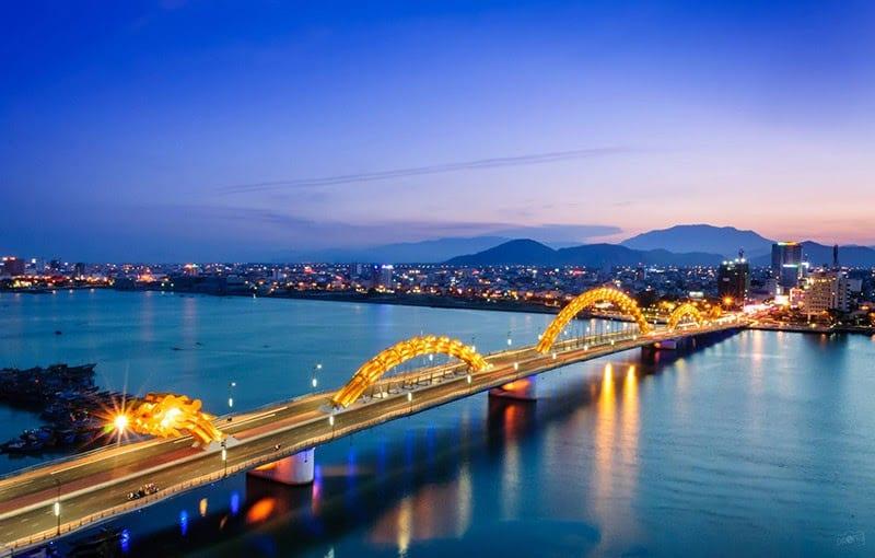 Explore Dragon Bridge in Da Nang City