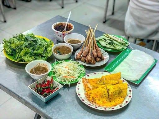 Where to eat in Da Nang Banh xeo 1