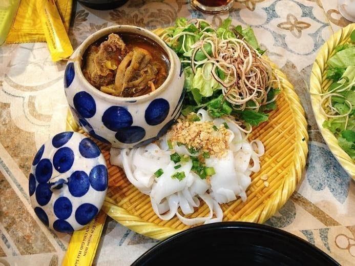 Where to eat in Da Nang Quang noodles 2