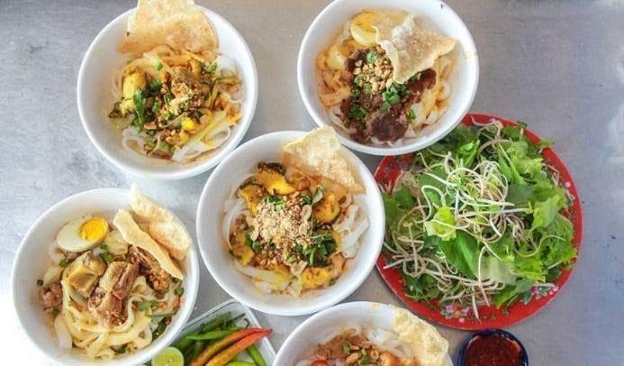 Where to eat in Da Nang Quang noodles 3