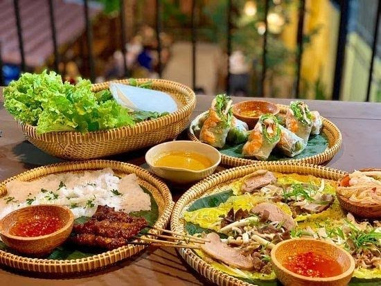 Where to eat in Da Nang Vietnamese family restaurants 1