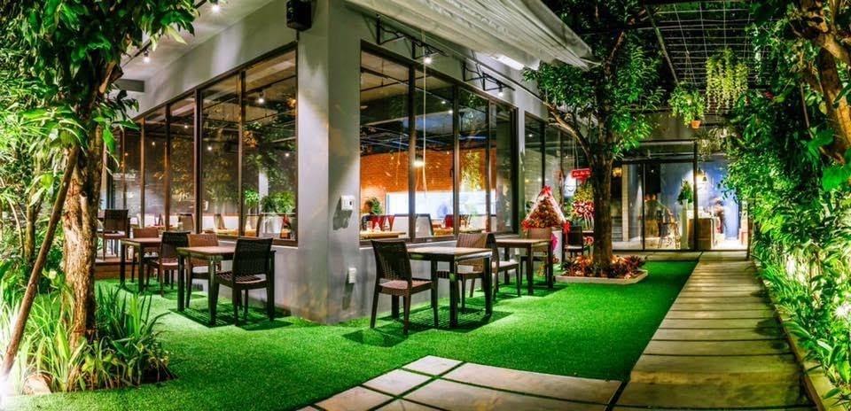 Where to eat in Da Nang Vietnamese family restaurants 2