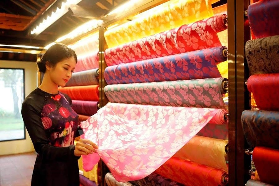 Best Places for Shopping in Hoi An - Hoi An Silk Village