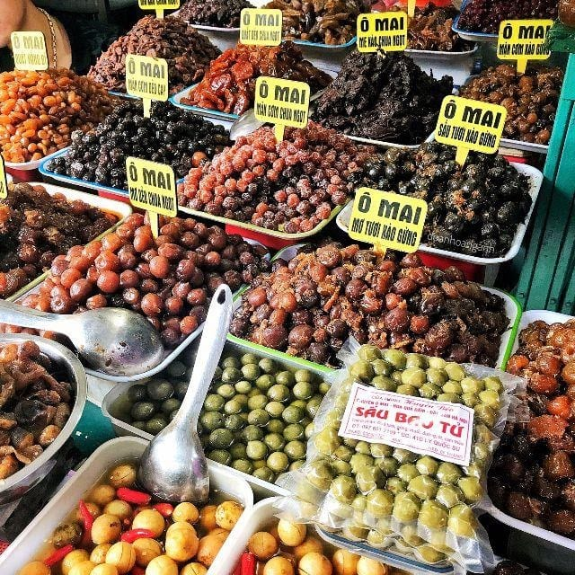 Ha Noi vs Ho Chi Minh - Shopping Opportunities