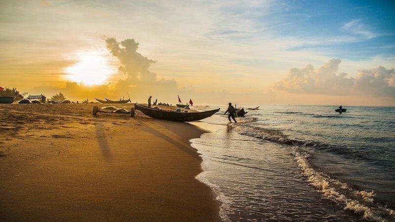 Ha Noi vs Ho Chi Minh City - Neighboring Travel Destinations